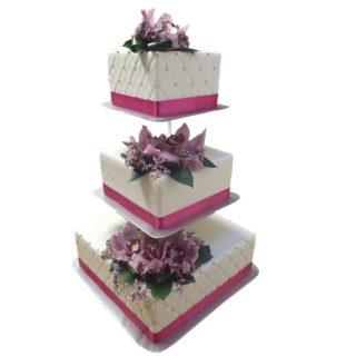 Patrový čtvercový vyšší dort s živými květy