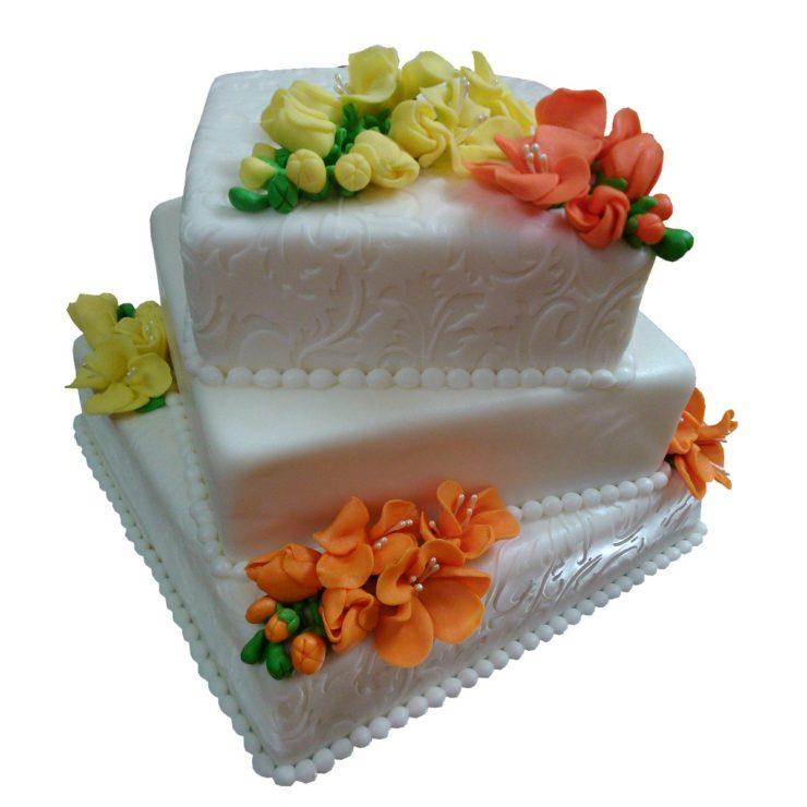 Patrový čtvercový vyšší dort s fréziemi