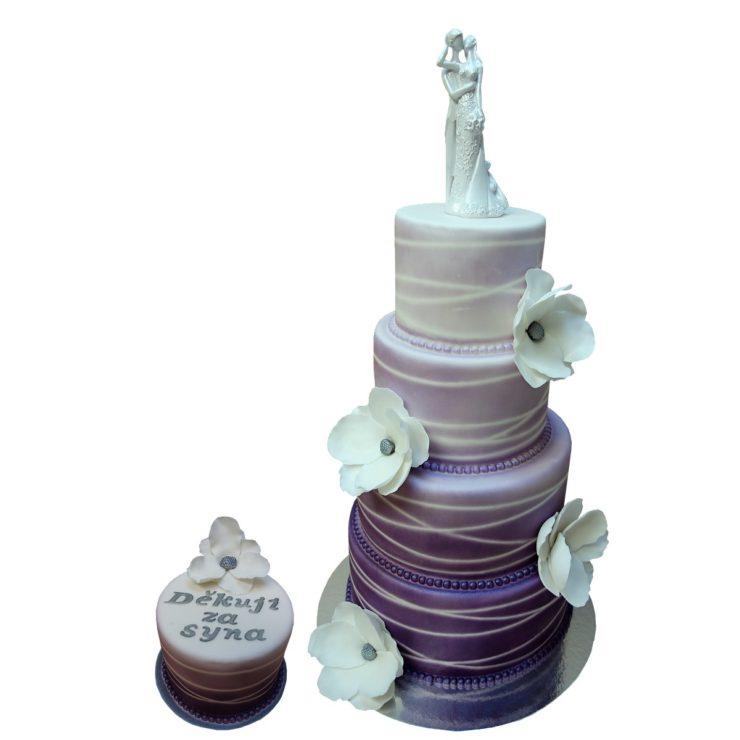 Čtyřpatrový vyšší fialový dort stínovaný